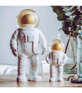 The Astronaute Summerglobe